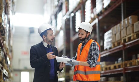 Société de contrôle de rayonnage métallique dans un dépôt à Chambéry